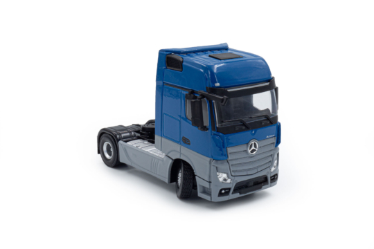 Maßstab Modell Mercedes-Benz Actros MP4 Gigaspace 4x2